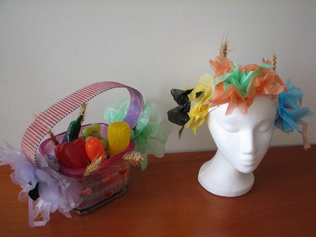 זר וטנא חגיגי מחומרים בשימוש חוזר לסדנת יצירה עם הילדים