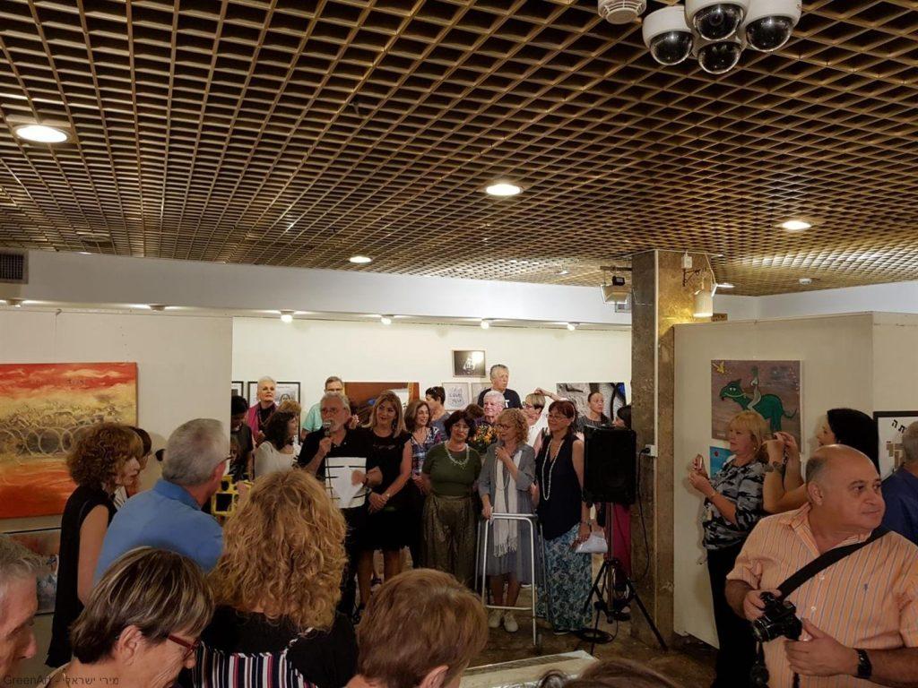 טקס הנאומים באירוע פתיחת תערוכת אמני מוזה רעננה -בין מילה לתמונה-.