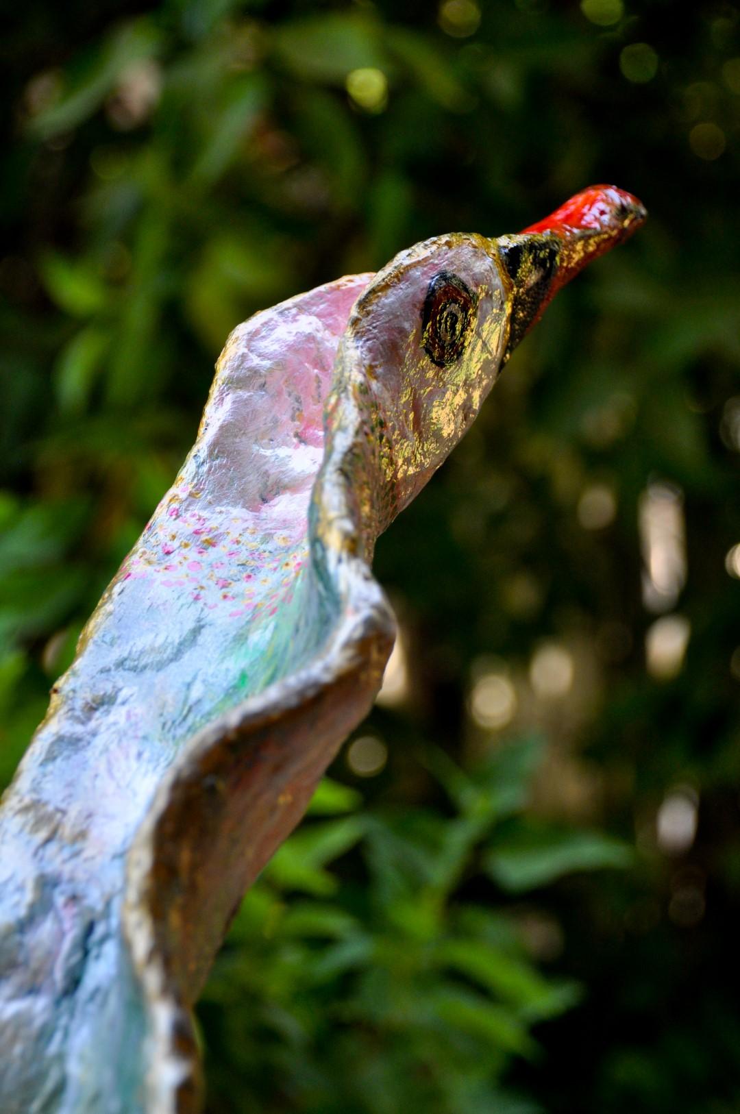 האווז הירוק פיסול מרשת ועיסת נייר להטמעת המודעות הסביבתית