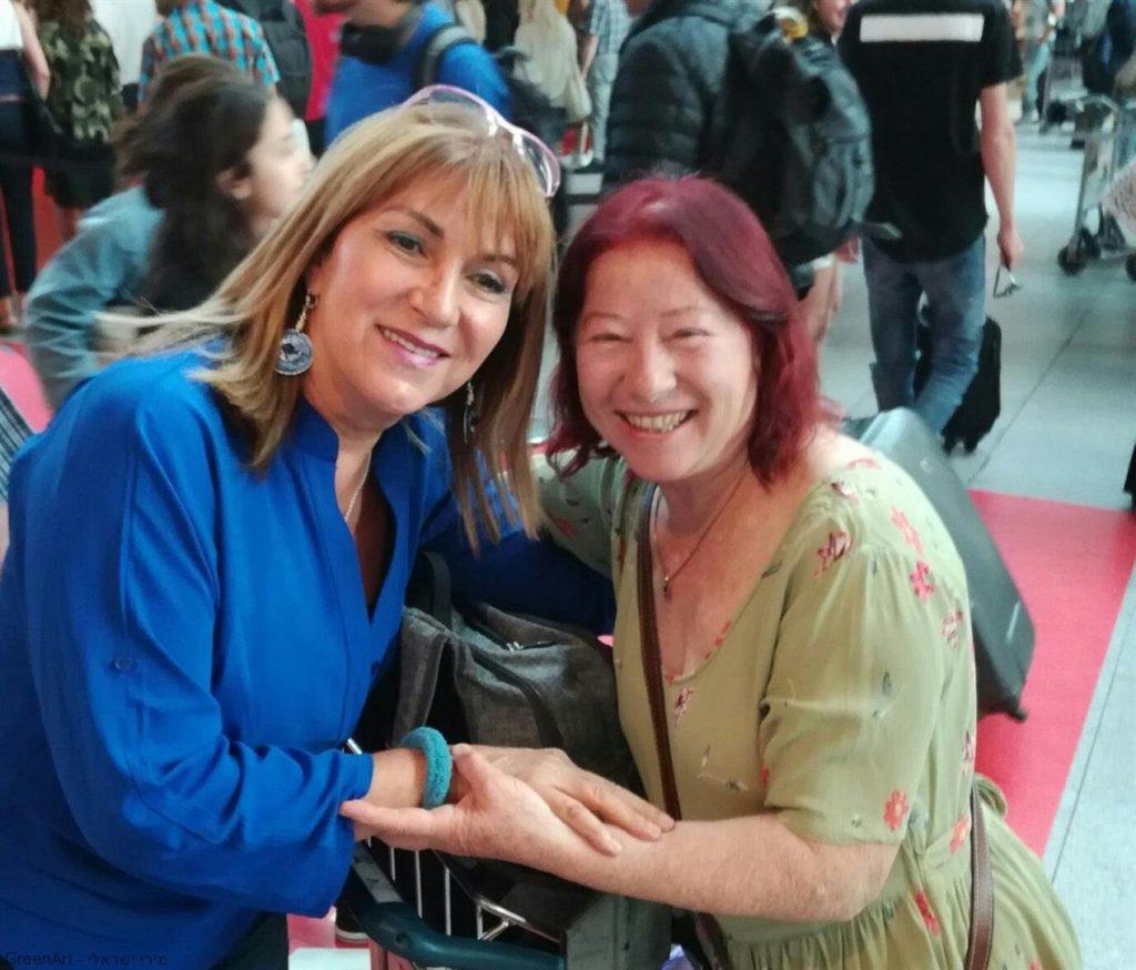 קבלת פנים נרגשת חיכתה לי עם ג'ני בשדה התעופה של קופנהגן