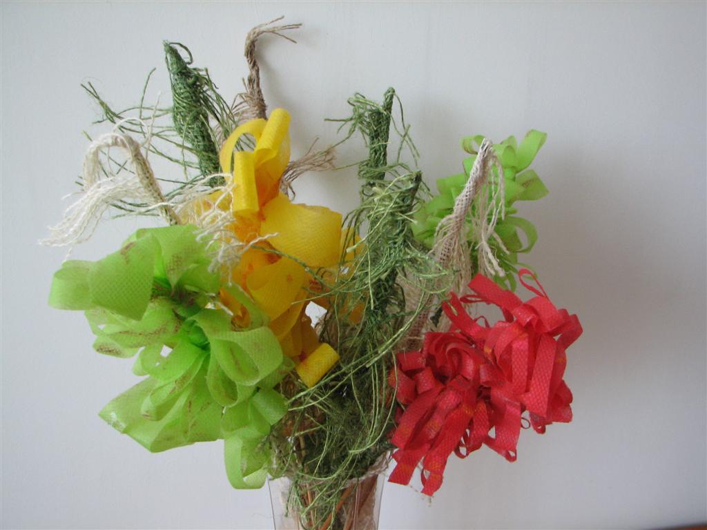 פרחים מעוצבים משאריות בדים