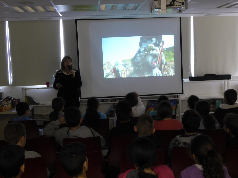 הרצאות לתלמידים המציגות את המצב הסביבתי הקוראות להם להצטרף לעשייה הירוקה