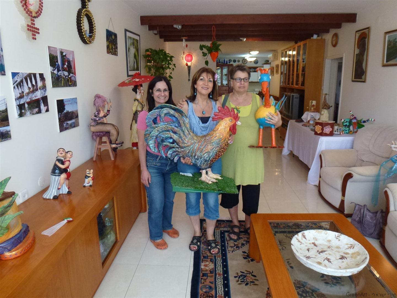 מבקרים מתלהבים בתערוכה בביתי