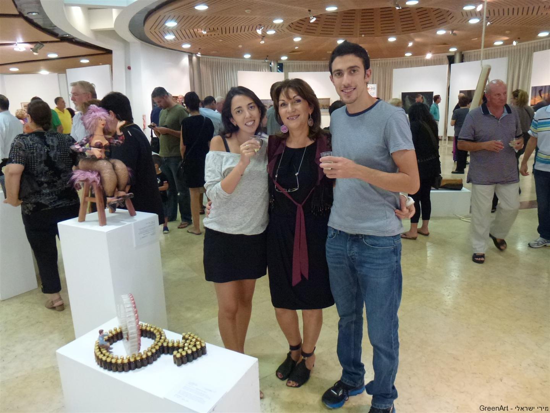 בני תומר וזוגתו אוראל בתערוכת מוזה רעננה