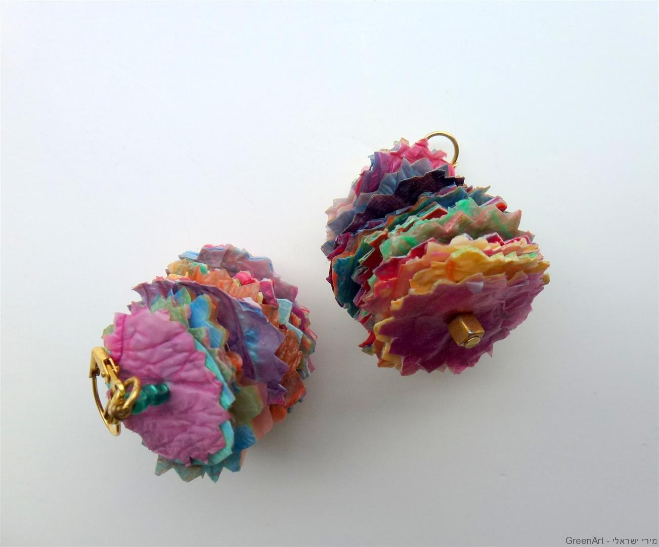 עגילים מעוצבים משקיות ניילון ממוחזרות