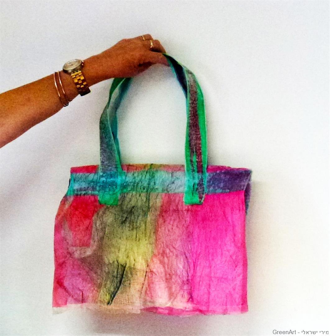 תיק צבעוני ורב שימושי ממיחזור שקיות ניילון צבעוניות