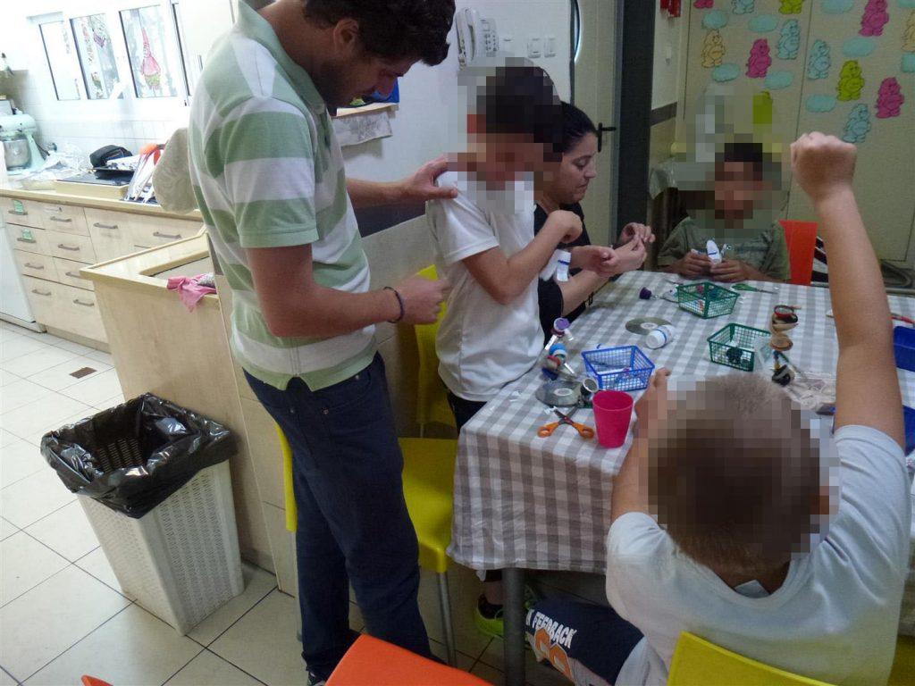 סדנת יצירה ירוקה למוביילים מתנגנים באחוזת הילדים