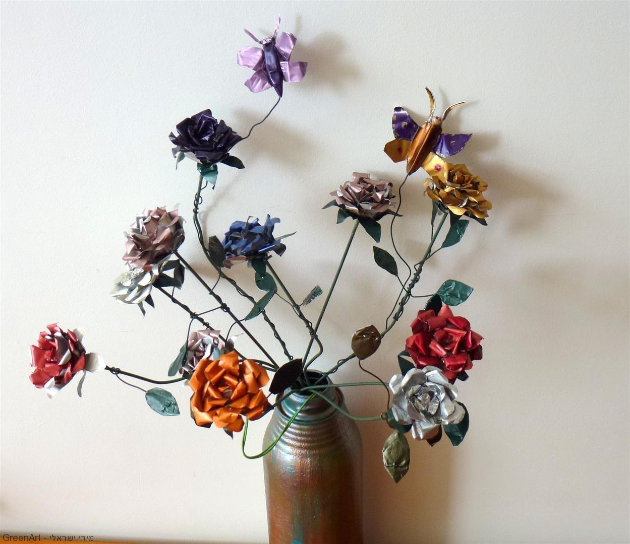 פריחה צבעונית מרהיבה מפסולת מתכות ECO ART