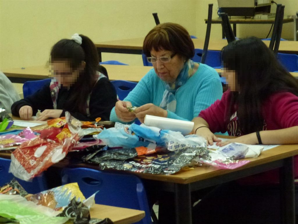 שיתוף פעולה בין נוער לקהילת קשישים ניצולי שואה בנווה שרה הרצוג בבני ברק