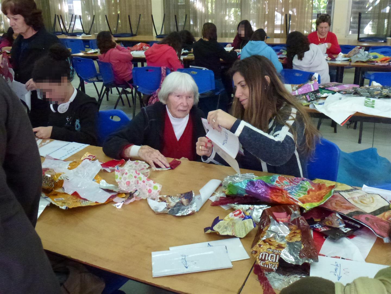 מתנדבי שיכון ובינוי בפעילות יחד עם קהילת ניצולי השואה מבני ברק