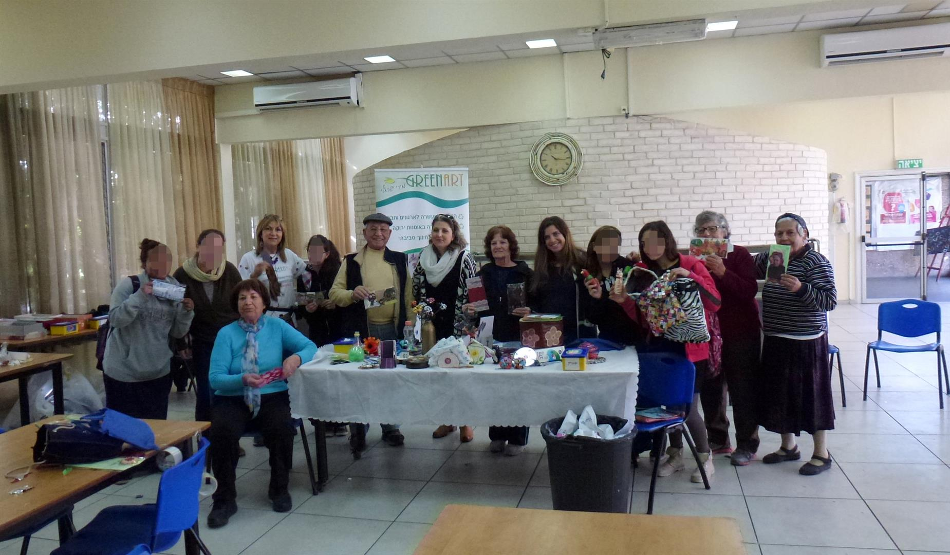 סדנת יצירה ירוקה בשיתוף נוער מנווה שרה המאמץ קשישים מ