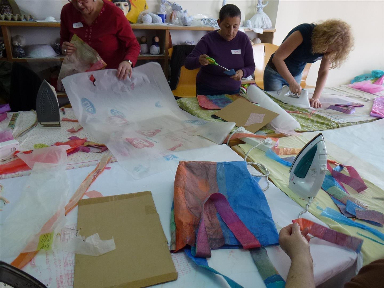 סדנת יצירה להכנת תיקים משקיות ניילון בשימוש חוזר