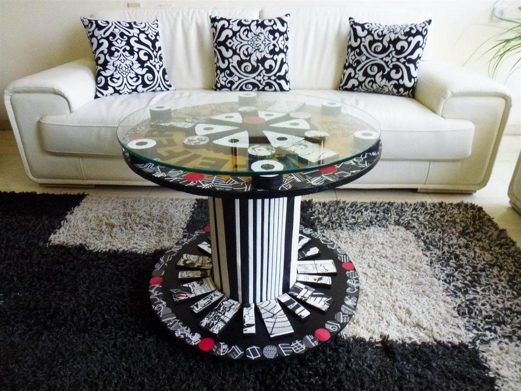 שולחן נייד מעוצב מגלגל עץ ישן וחומרים בשימוש חוזר