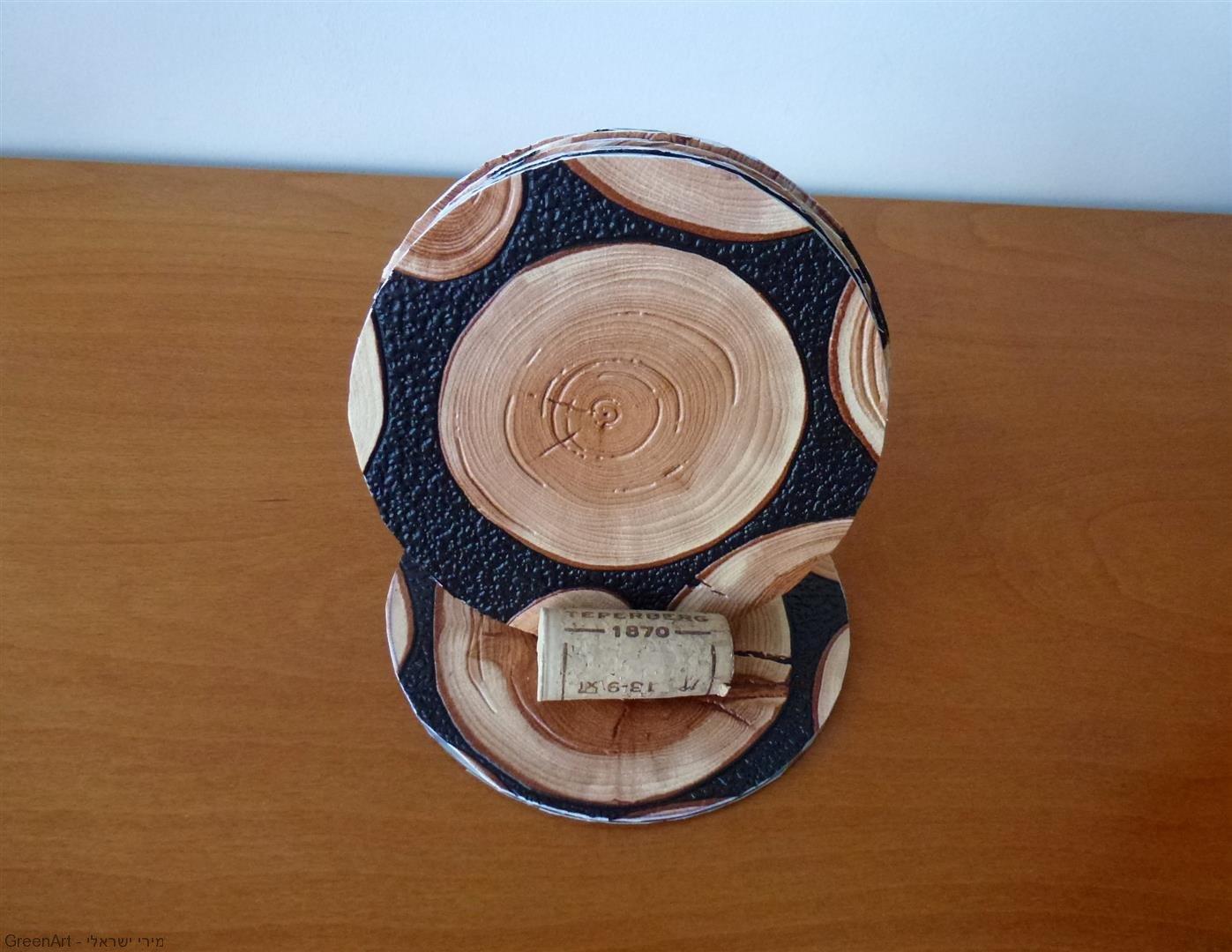 סדנת תחתיות למשקאות מתקליטורים וחומרים בשימוש חוזר