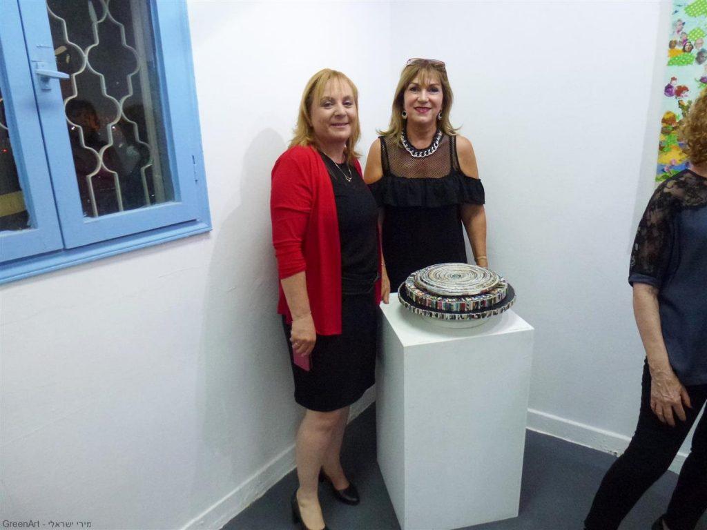 עם סגנית ראש העיר גברת רונית וינטראוב הממונה על אגף התרבות נוער ופנאי
