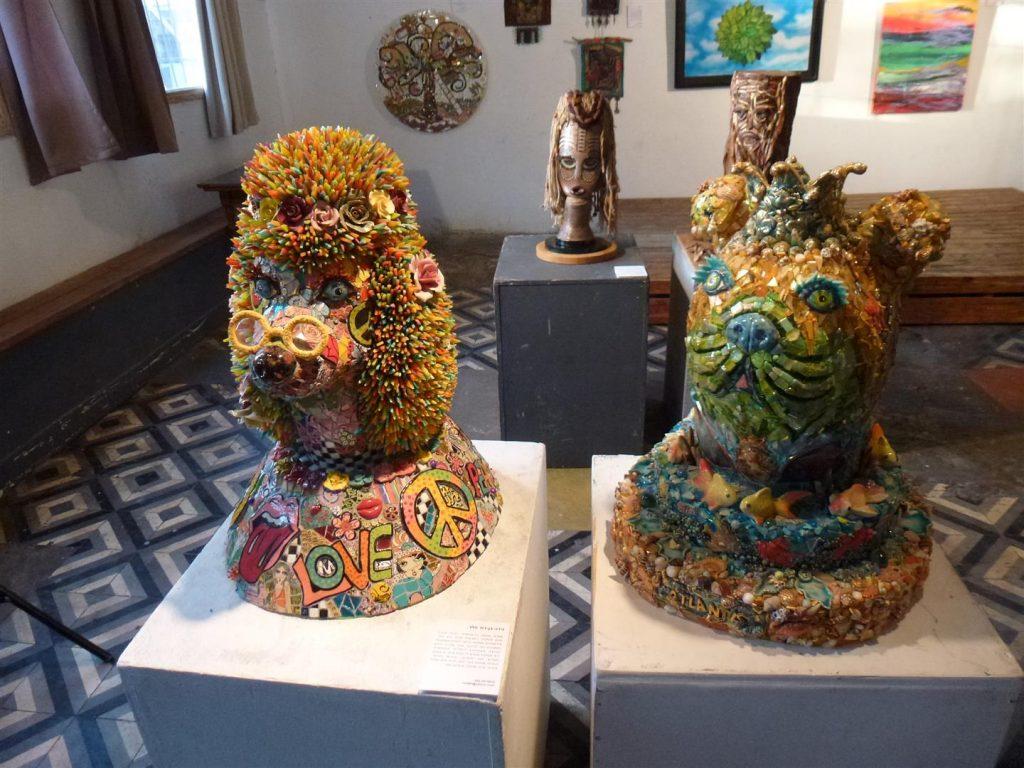 תערוכת חיבוק ירוק 2 אמנים למען הסביבה