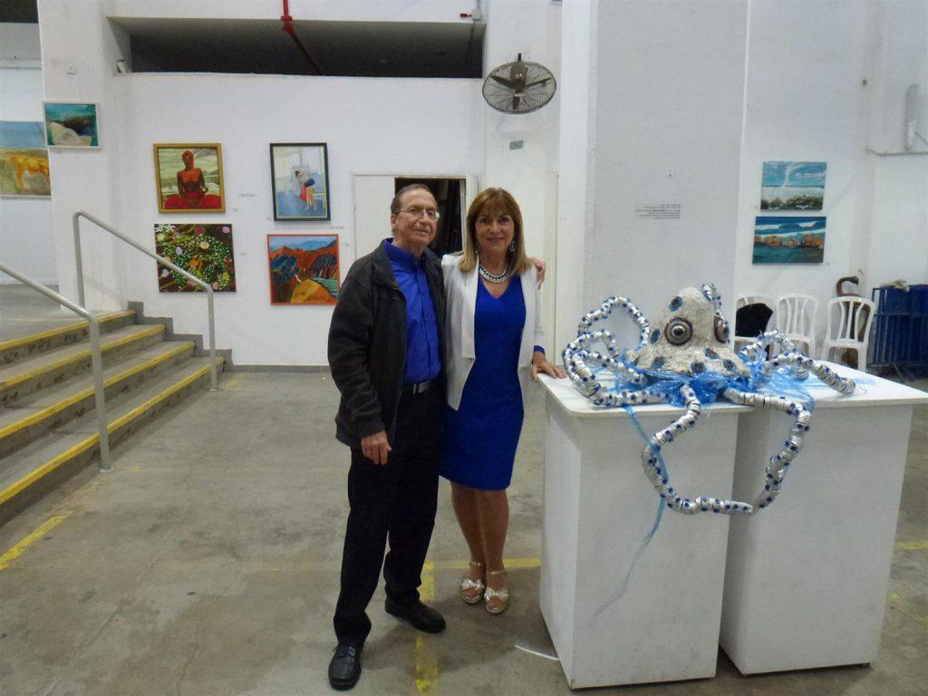 ליד התמנון החנוק עם בעלי היקר באירוע הפתיחה לתערוכה אקטיבית אביב 2017