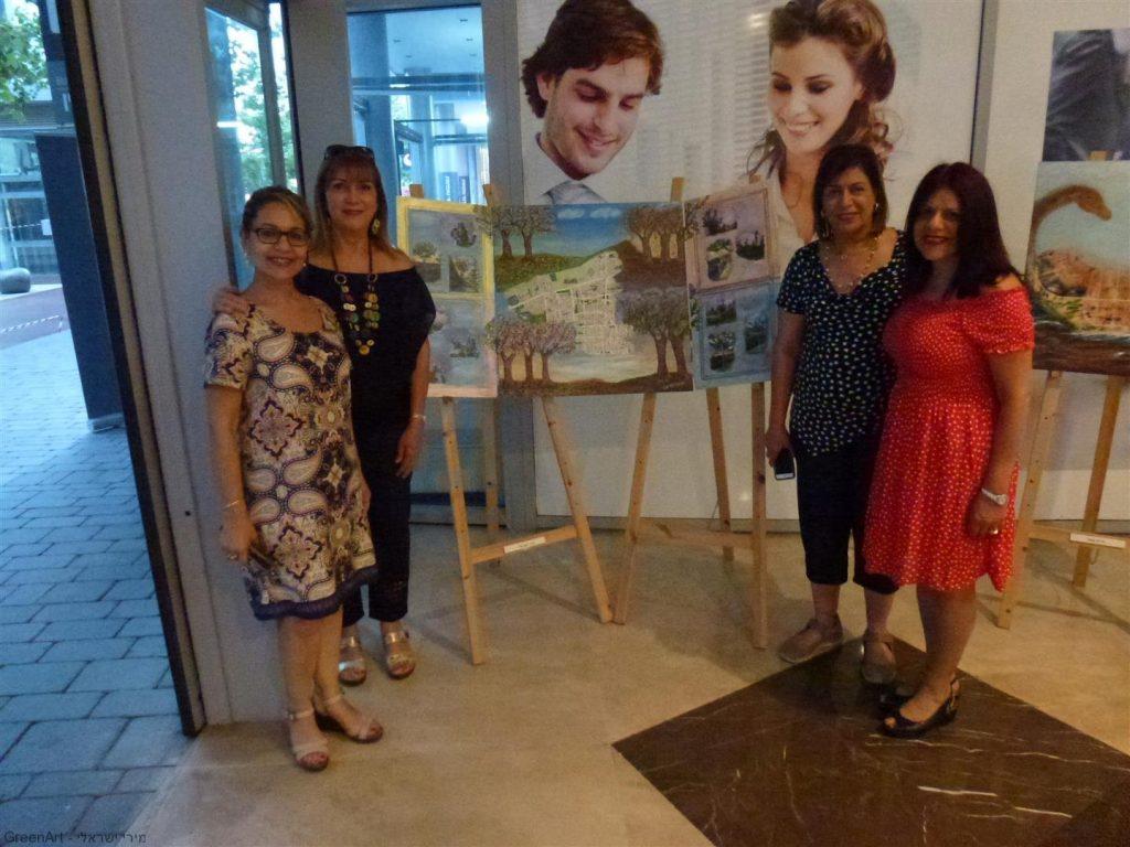 עם סגנית ראש העיר סימה פרי וחברותיי האמניות ניצה ומרגלית