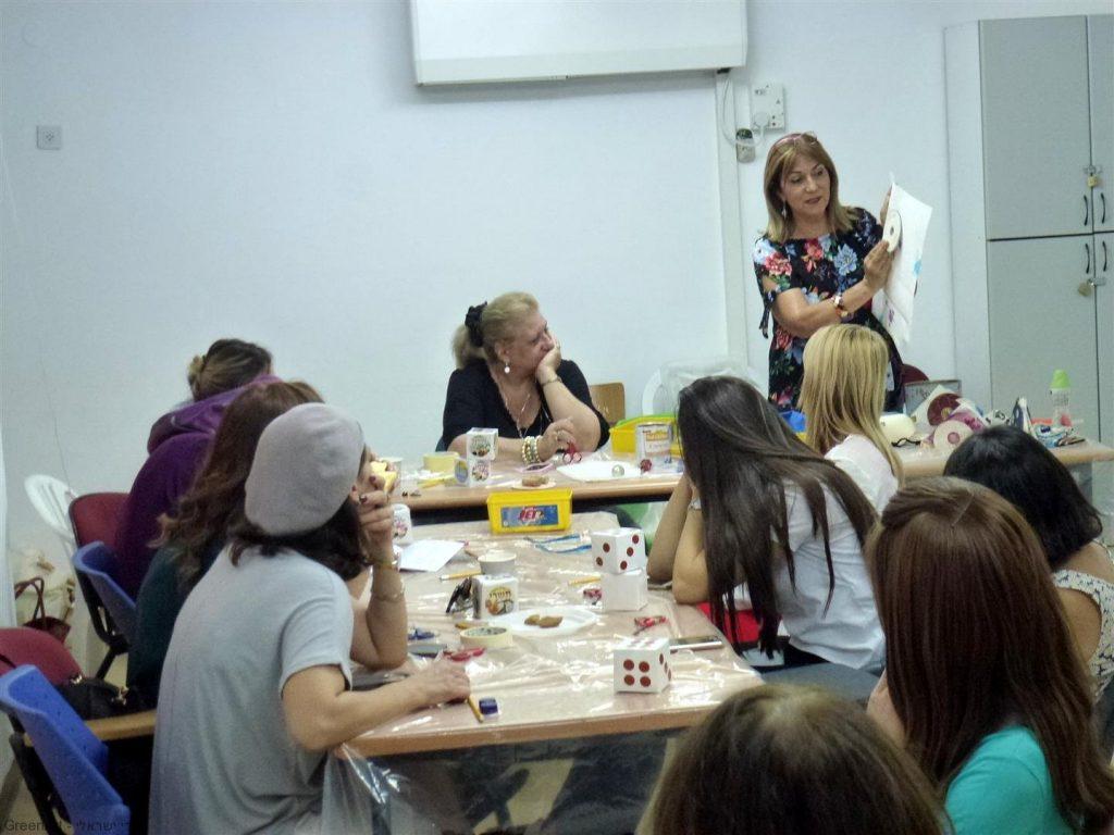 סדנת להוראת המורים להכנת יצירות מחומרים בשימוש חוזר להטמעת החינוך הסביבתי