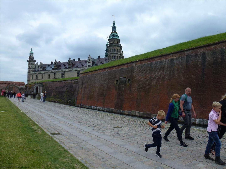 טירת קרונבורג הידועה השוכנת בעיר הלסינגור