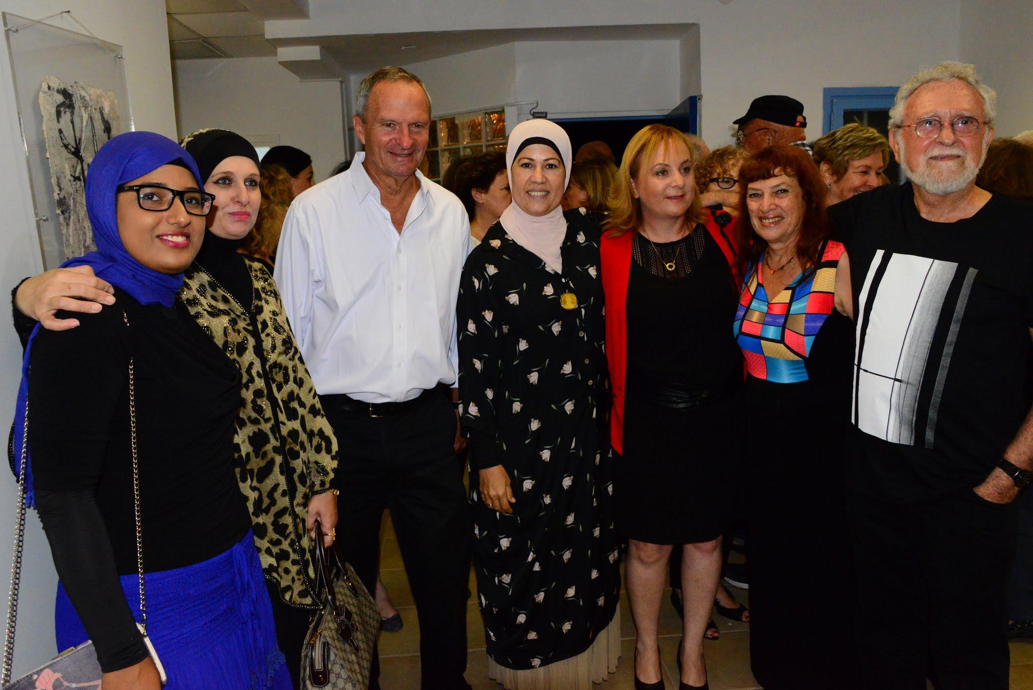 ראש העיר מר זאב ביילסקי עם סגניתו  רונית וינטראוב ואורחות מהעיר טירה