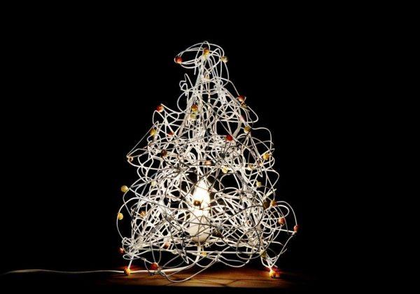 עיצוב מנורה מקורית מקולבי מתכת ישנים – Eco Art.