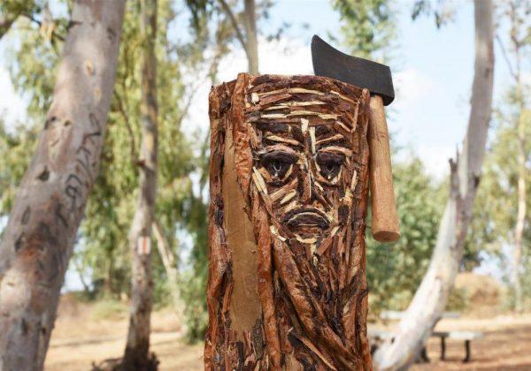 גזע עץ כרות – אמנות לשימור העצים בסביבה – Eco Art.