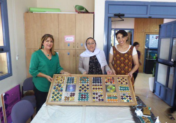 """עיצוב ירוק לפינת הקפה בחדר המורים של ביה""""ס """"אלנהדה"""" בירכא"""