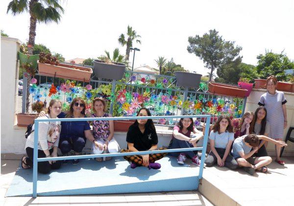 """פעילותי בפרויקט התנדבות """"קולות במרחב"""" עם תלמידי חטיבת השרון רעננה – מנהיגות למען הקהילה והסביבה."""